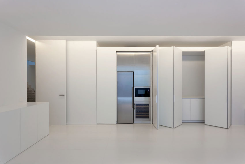 Aluminum House by Fran Silvestre Arquitectos (7)