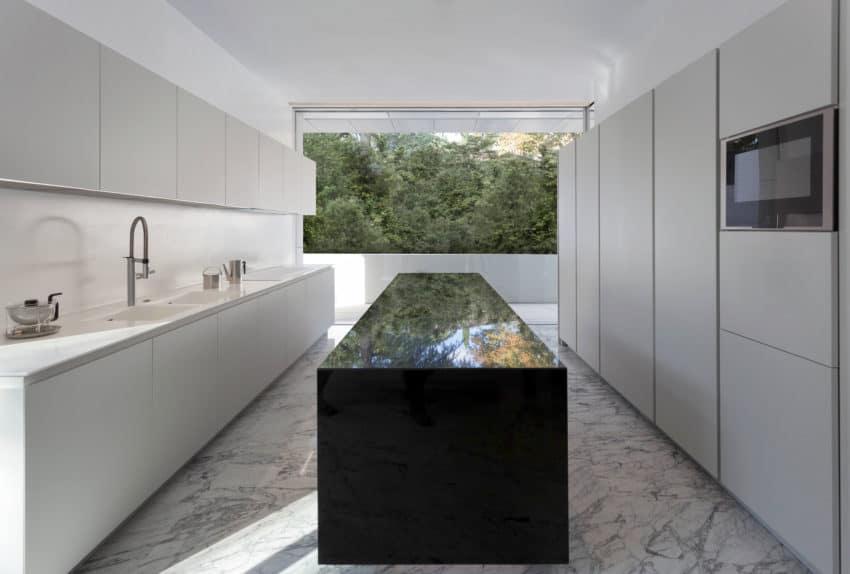 Aluminum House by Fran Silvestre Arquitectos (9)