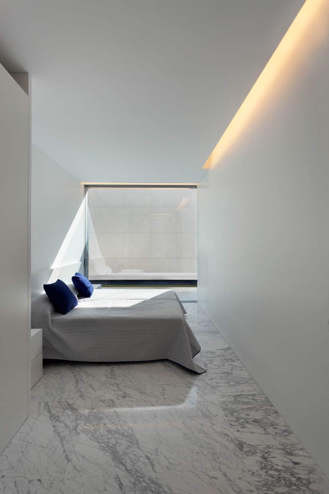 Aluminum House by Fran Silvestre Arquitectos (16)