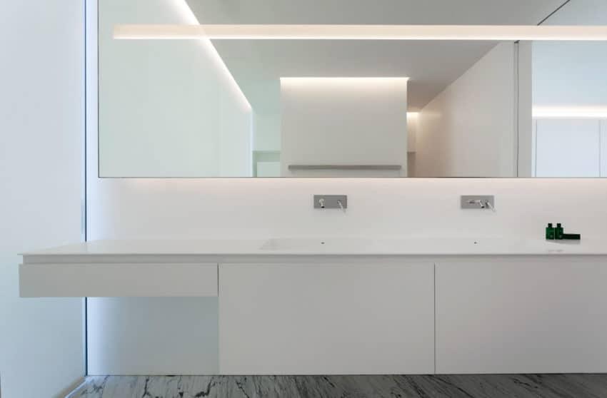 Aluminum House by Fran Silvestre Arquitectos (18)