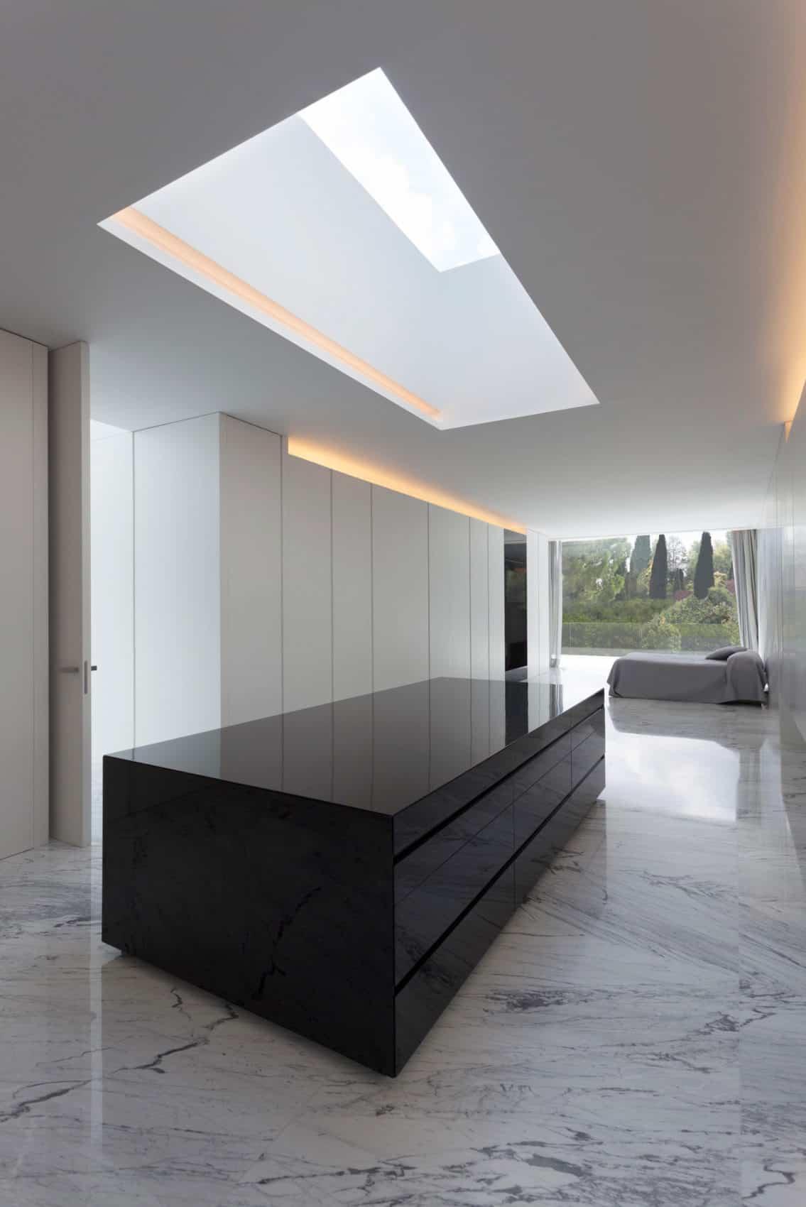 Aluminum House by Fran Silvestre Arquitectos (22)