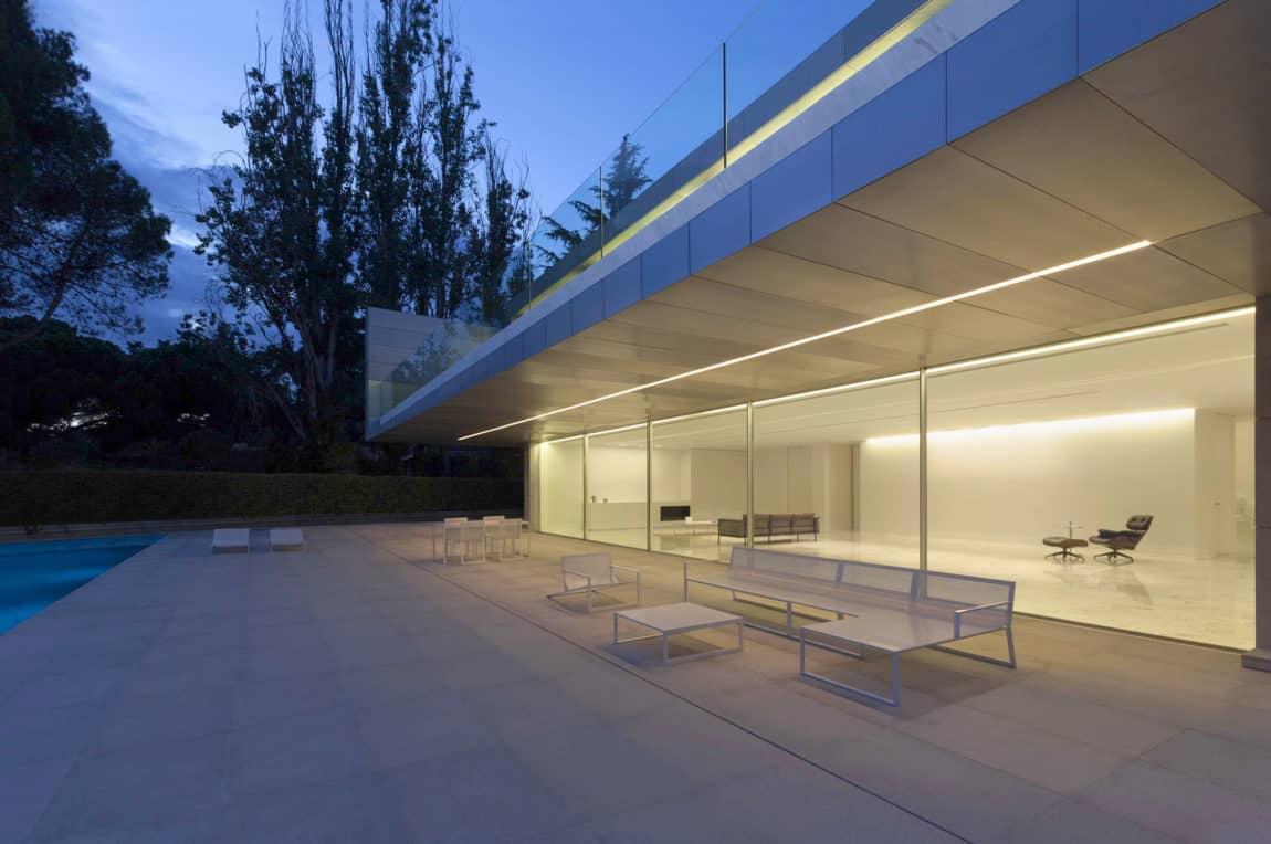 Aluminum House by Fran Silvestre Arquitectos (23)