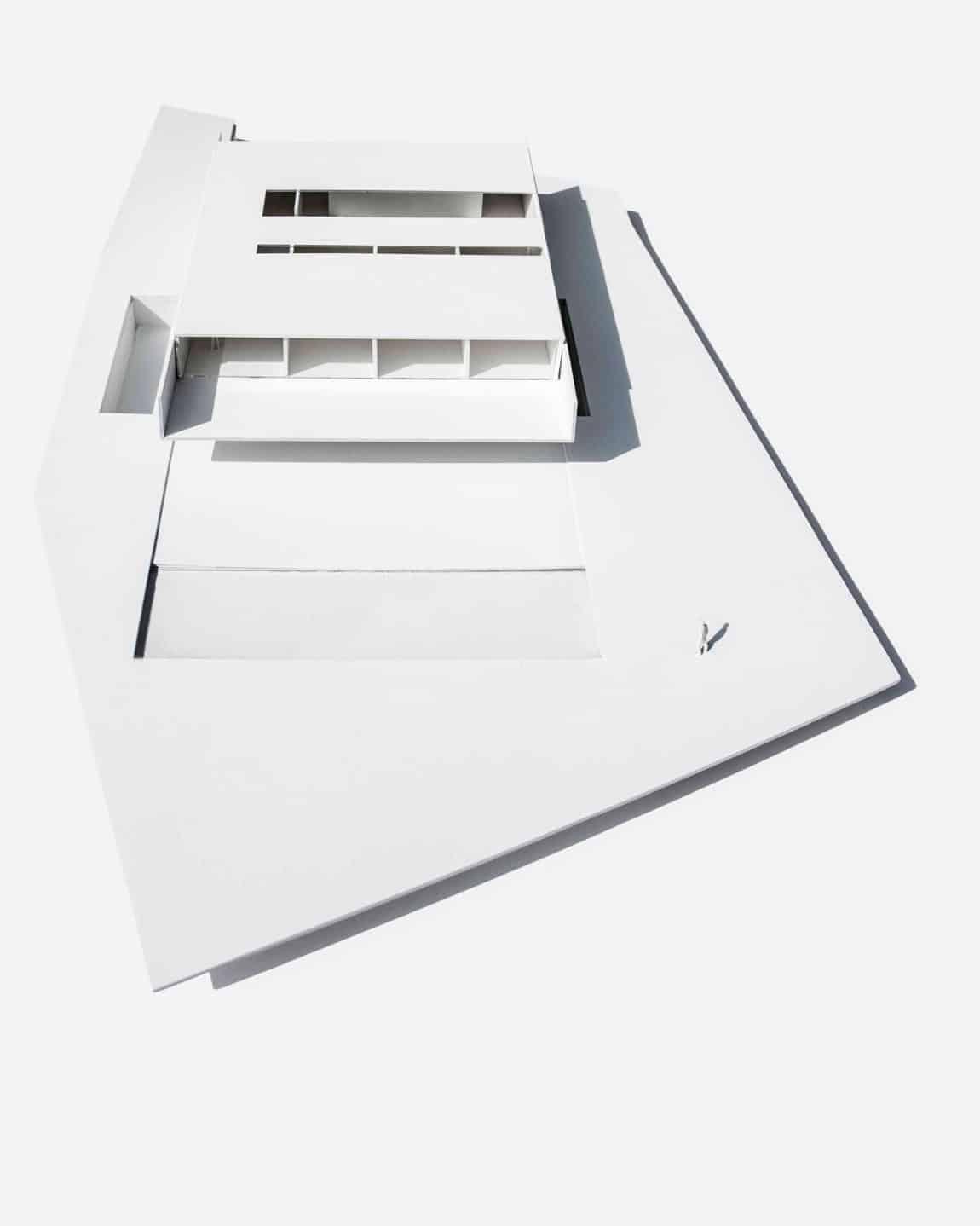 Aluminum House by Fran Silvestre Arquitectos (39)