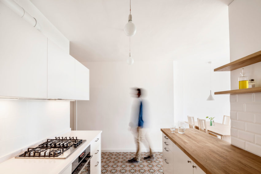 Renovation in Les Corts by Roman Izquierdo Bouldstridge (3)