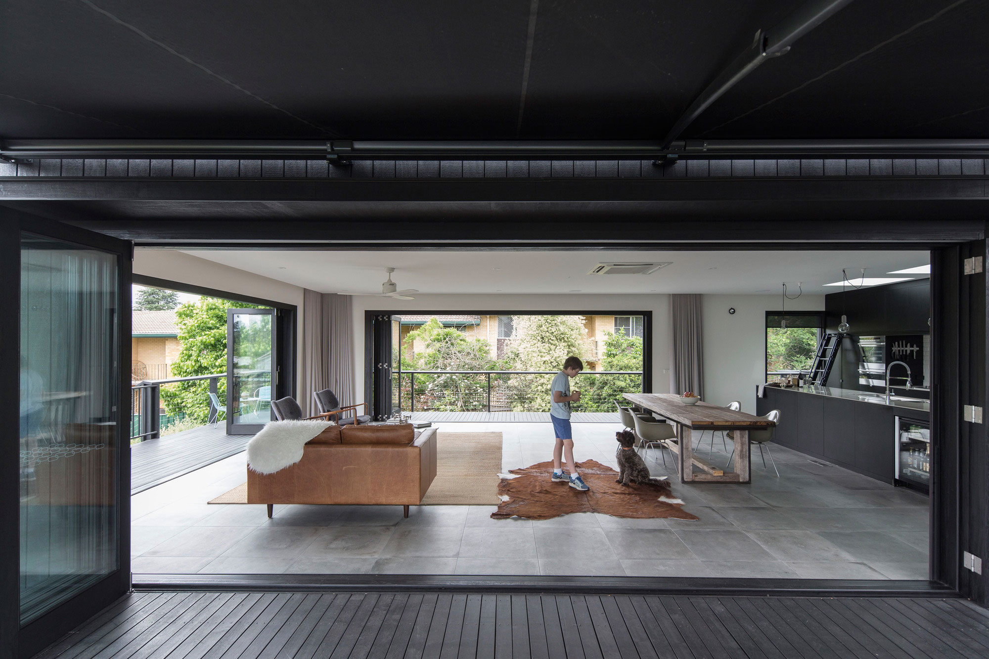 A Spacious Home in Armidale Designed by Those Architects