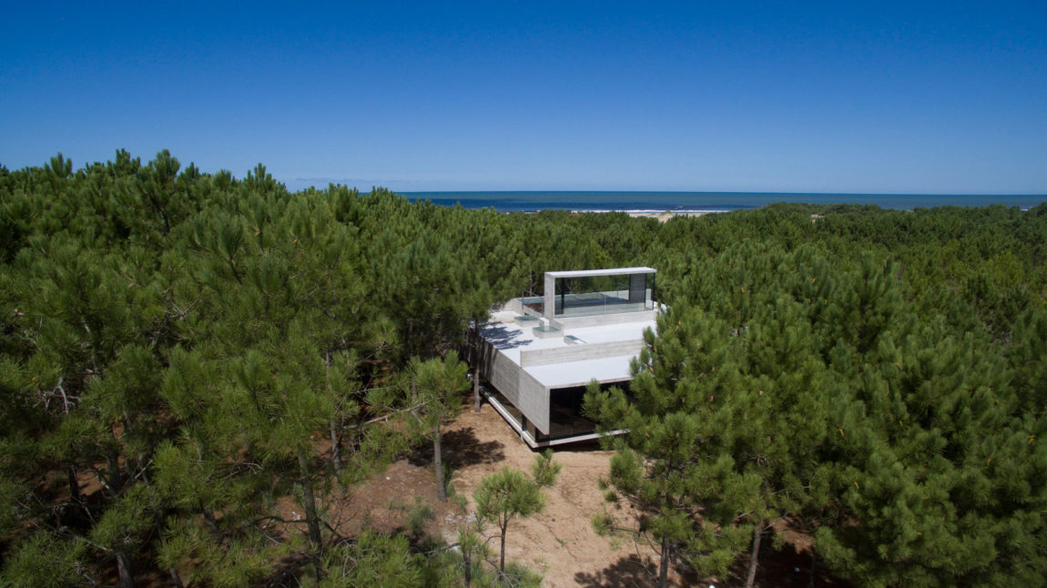 Casa L4 by Luciano Kruk Arquitectos (2)