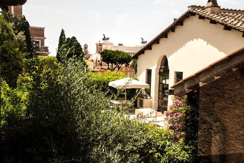 Casa al Centro di Roma by Studio Agnello & Associati (1)
