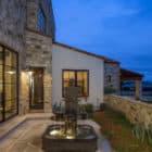 Contemporary Italian Farmhouse by Vanguard Studio Inc. (11)