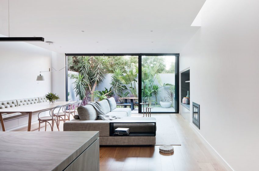 Courtyard House by Robson Rak Architects (10)