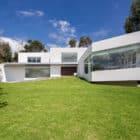 Cumbayá House by Diego Guayasamin Arquitectos (2)