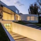 Cumbayá House by Diego Guayasamin Arquitectos (9)