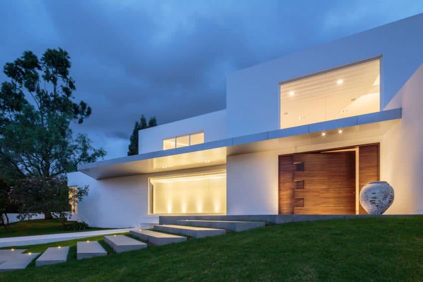 Cumbayá House by Diego Guayasamin Arquitectos (10)