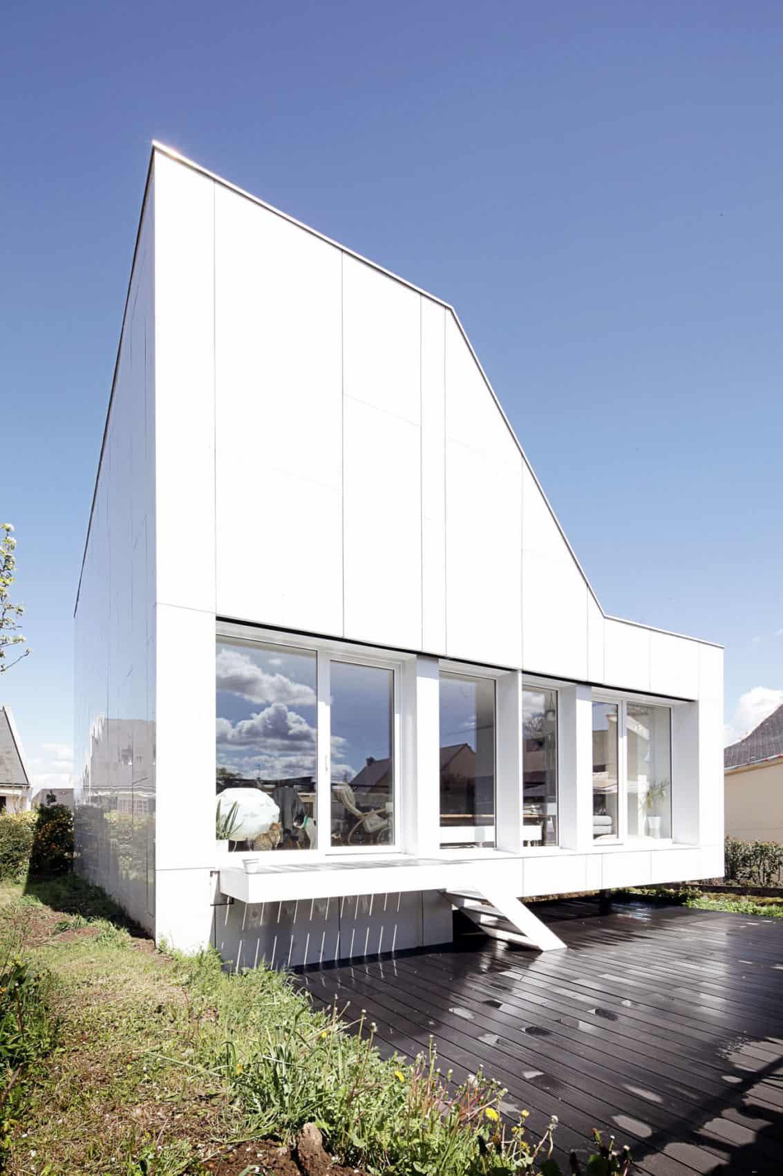 Flying Box Villa by 2A Design (6)