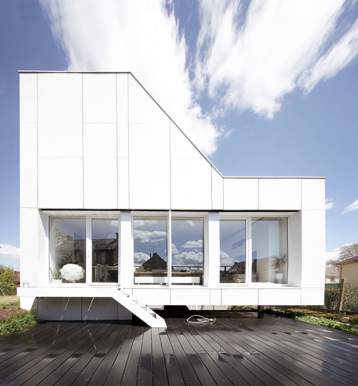 Flying Box Villa by 2A Design (7)