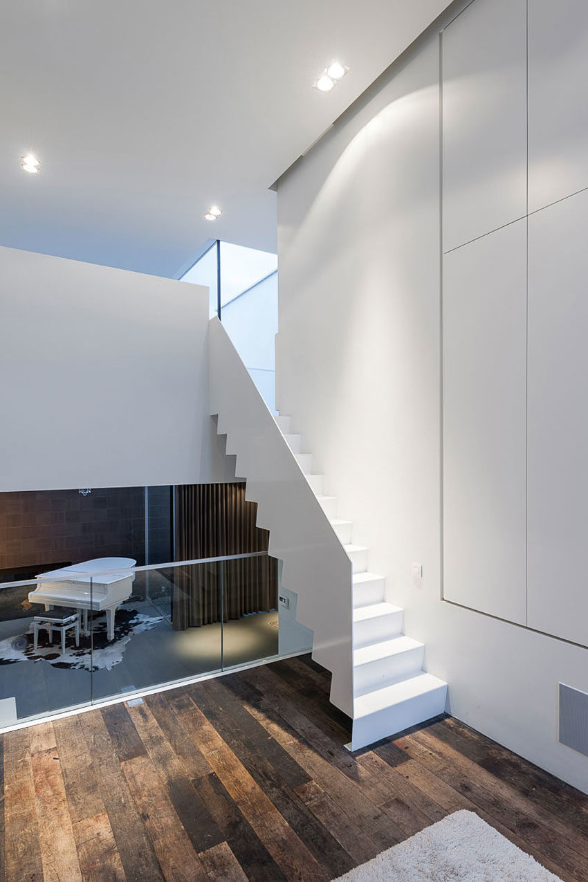 House LNT by P8 Architecten (10)