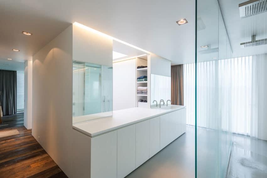 House LNT by P8 Architecten (12)