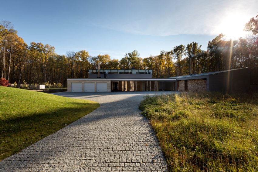 House With A Peristyle by Drozdov&Partners (1)