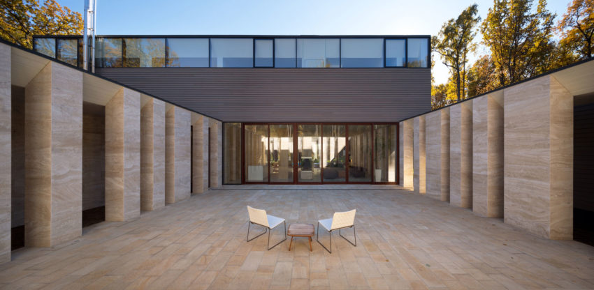 House With A Peristyle by Drozdov&Partners (3)