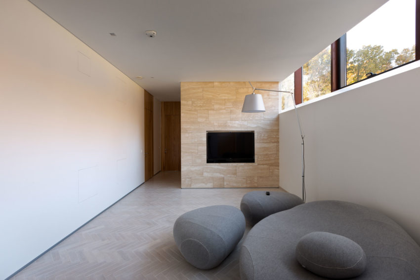House With A Peristyle by Drozdov&Partners (6)