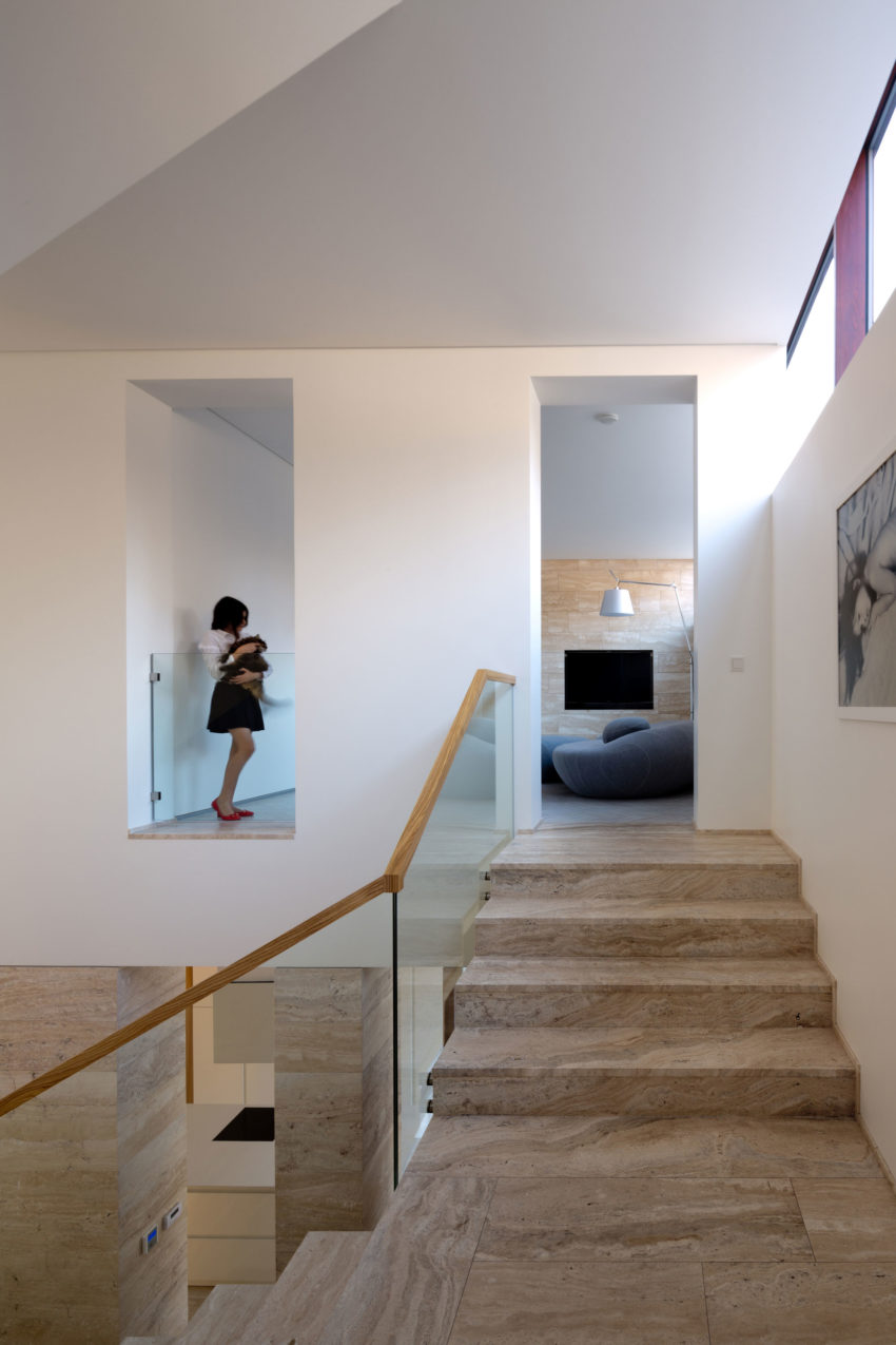House With A Peristyle by Drozdov&Partners (8)