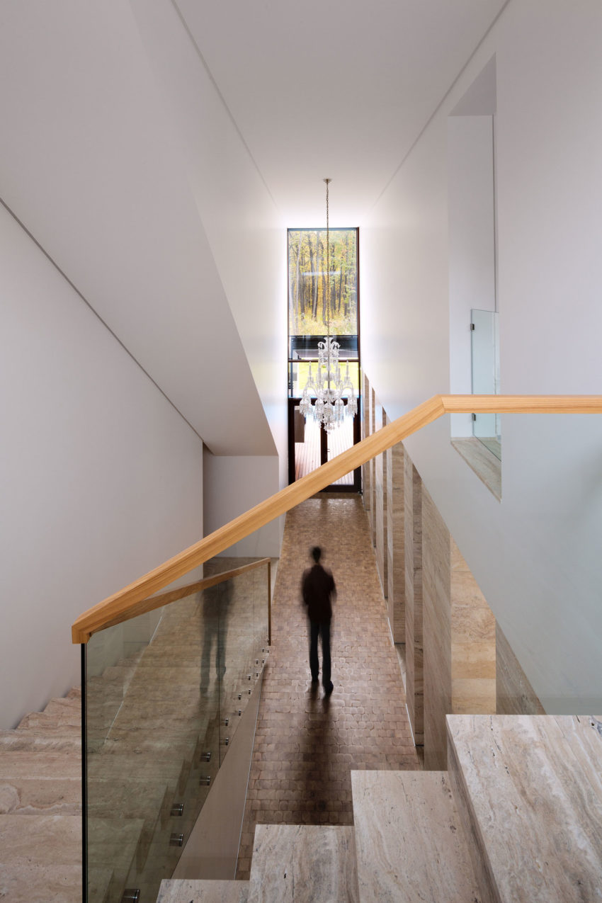 House With A Peristyle by Drozdov&Partners (9)