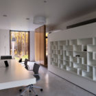 House With A Peristyle by Drozdov&Partners (11)