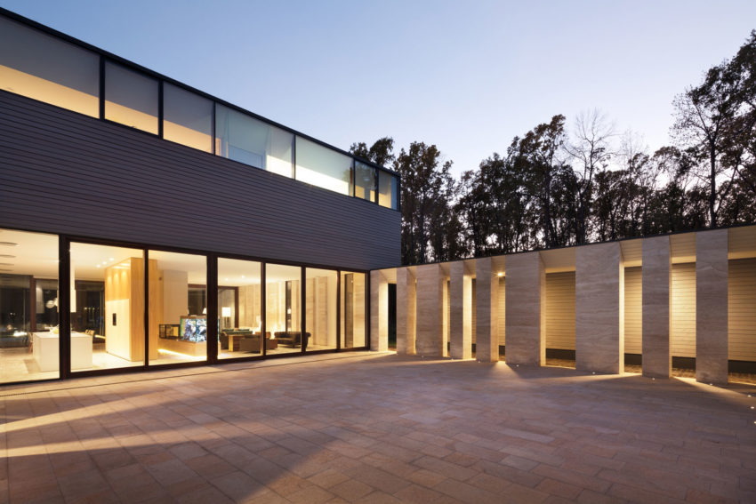 House With A Peristyle by Drozdov&Partners (12)