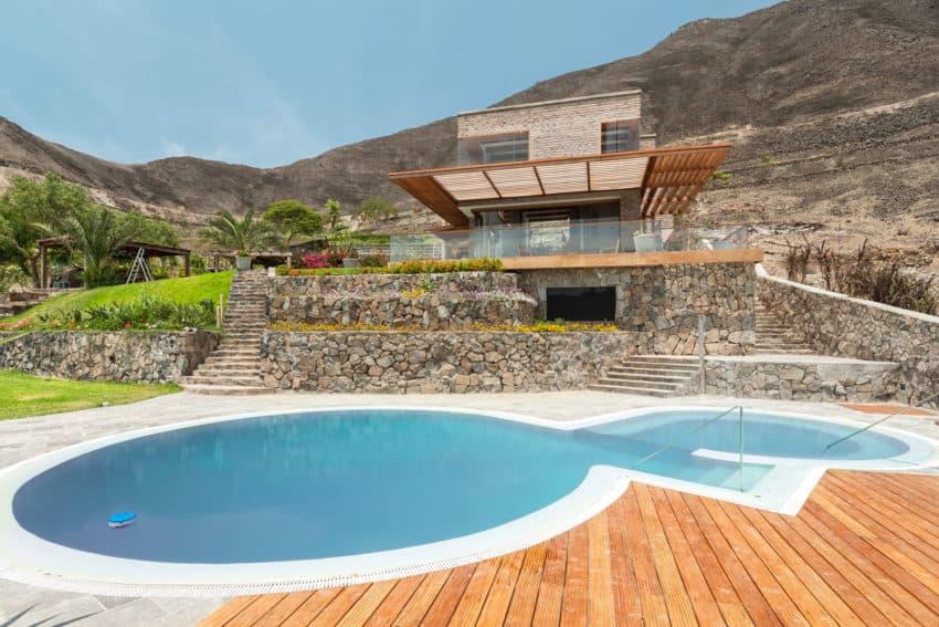 House in Azpitia by Estudio Rafael Freyre (3)