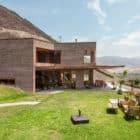 House in Azpitia by Estudio Rafael Freyre (8)