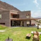 House in Azpitia by Estudio Rafael Freyre (9)