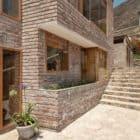 House in Azpitia by Estudio Rafael Freyre (16)