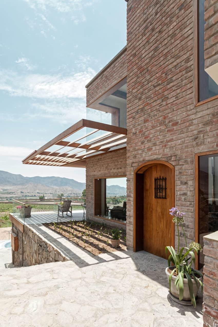 House in Azpitia by Estudio Rafael Freyre (17)
