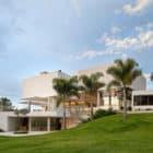 House in Lago Sul QI 25 by Sérgio Parada Arquitetos (1)