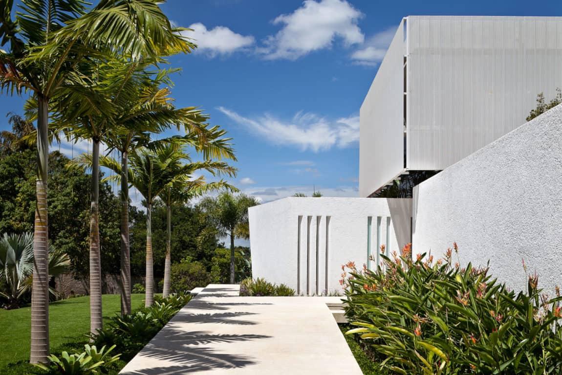 House in Lago Sul QI 25 by Sérgio Parada Arquitetos (3)