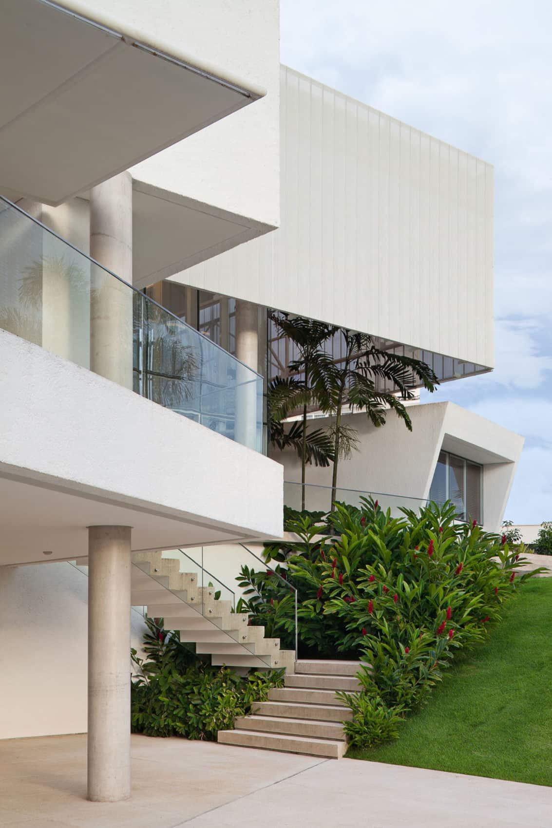 House in Lago Sul QI 25 by Sérgio Parada Arquitetos (5)