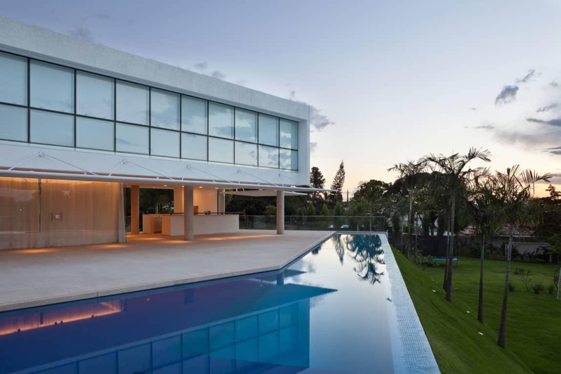 House in Lago Sul QI 25 by Sérgio Parada Arquitetos (12)
