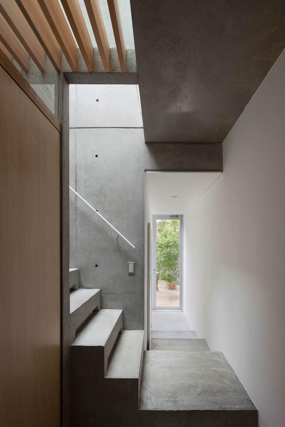 House in Midorigaoka by Yutaka Yoshida Architect (10)