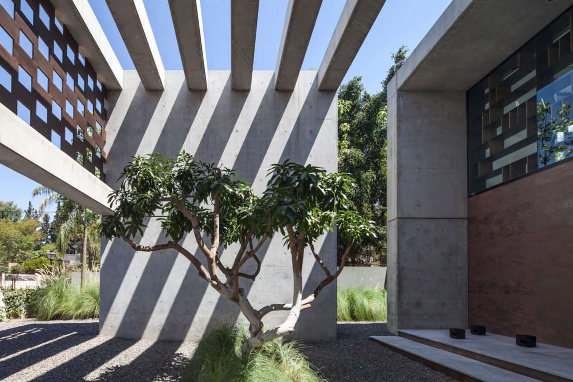 In Praise of Shadows by Pitsou Kedem Architects (8)