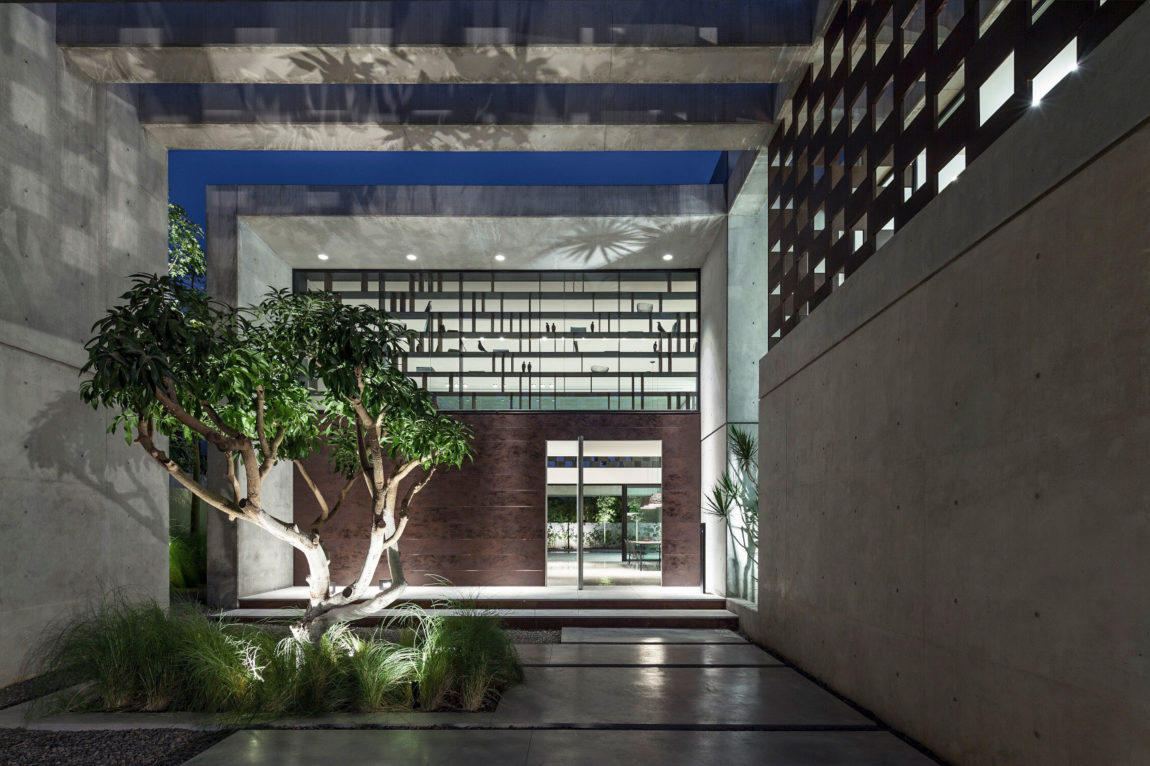 In Praise of Shadows by Pitsou Kedem Architects (31)