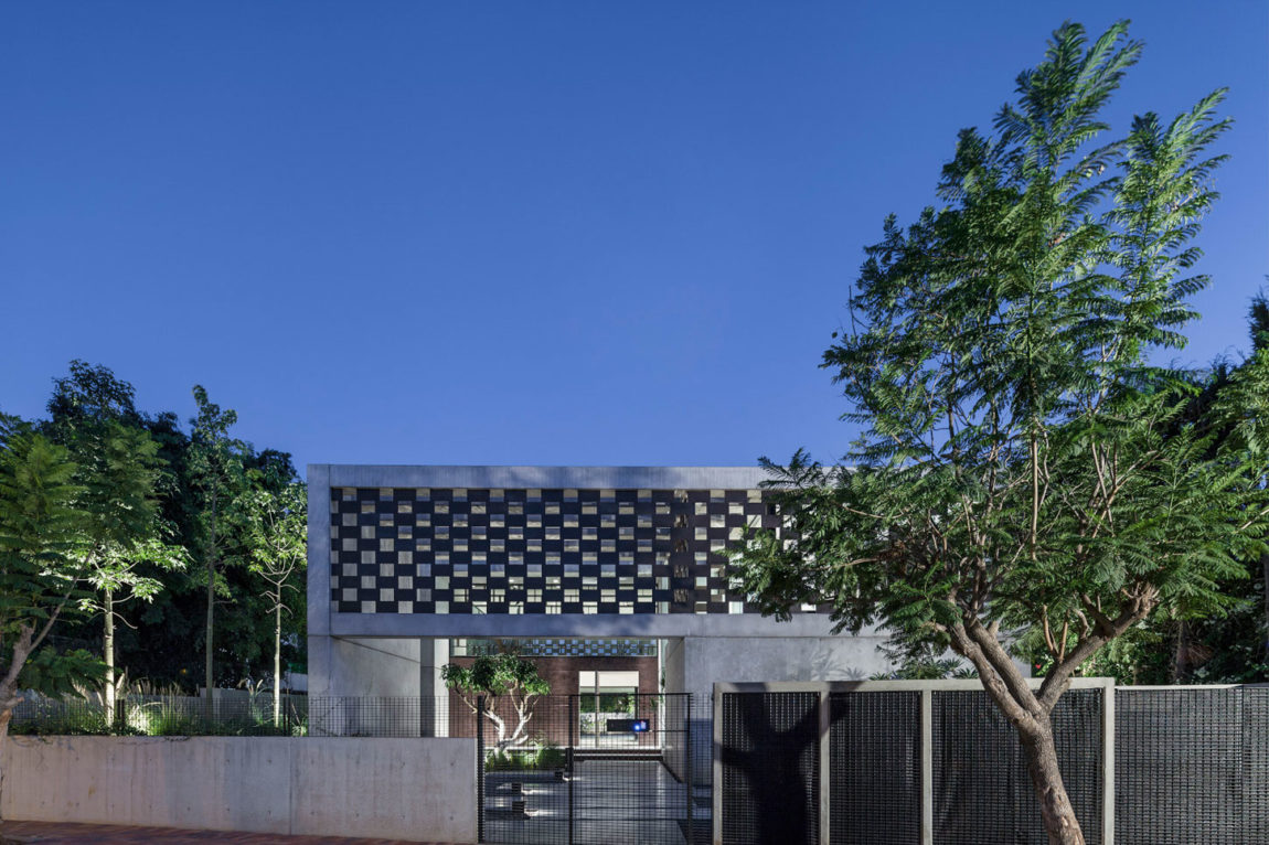 In Praise of Shadows by Pitsou Kedem Architects (34)