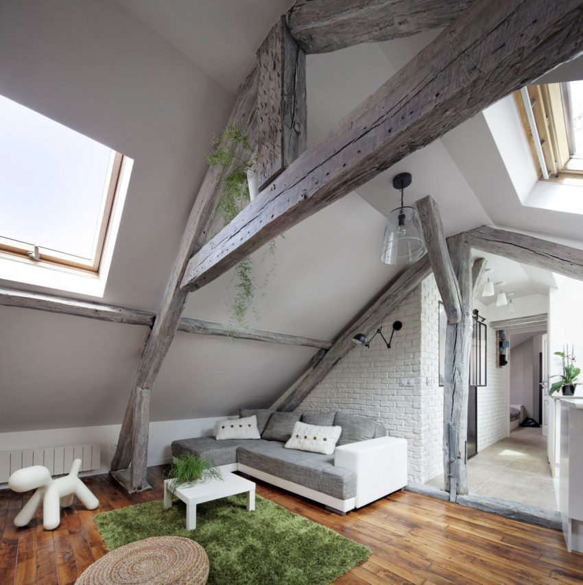 Prisca Pellerin Architecture & Intérieur Renovates a 2-Bedroom Attic in Ivry-sur-Seine, France