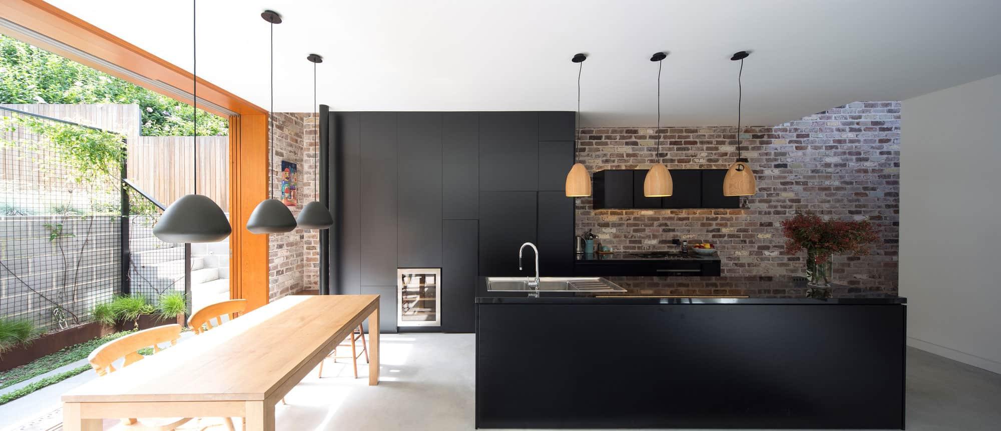 Carterwilliamson architects design a cozy contemporary home in north shore