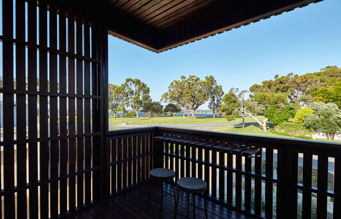 Mosman Bay Residence by Iredale Pedersen Hook Architects (12)