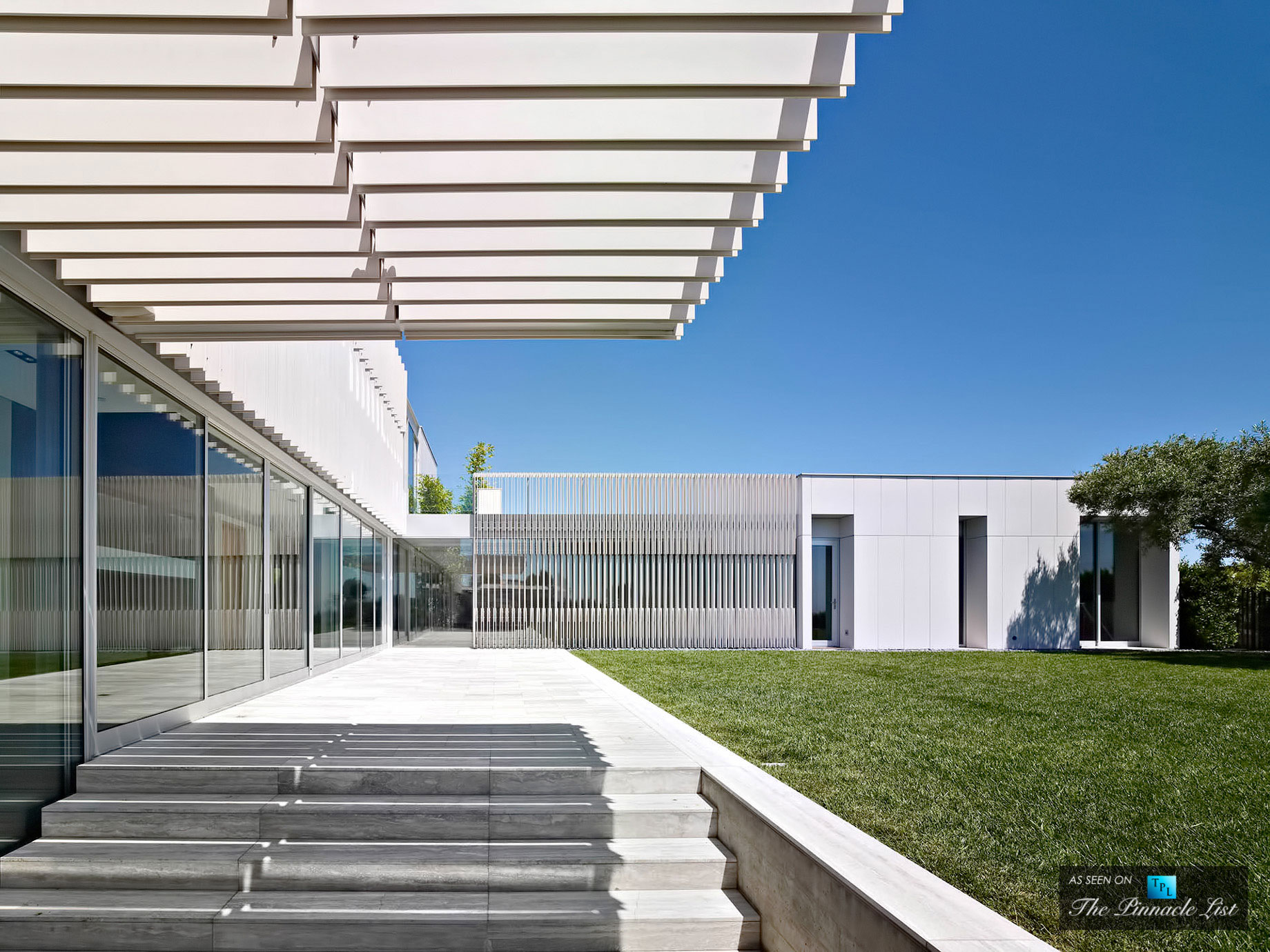 Oberfeld Luxury Residence by SPF Architects (5)