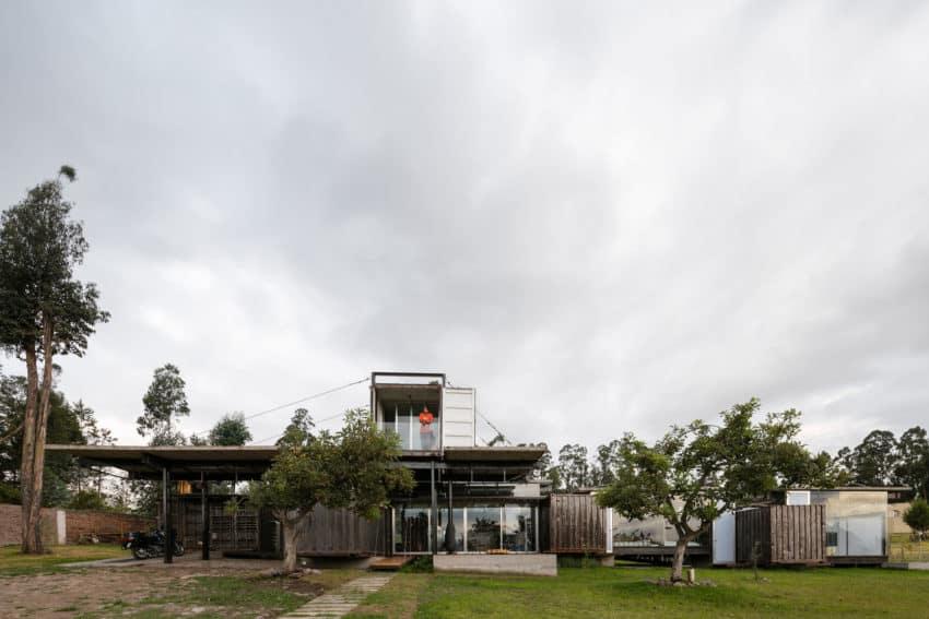 RDP House by Daniel Moreno Flores & Sebastian Calero (8)