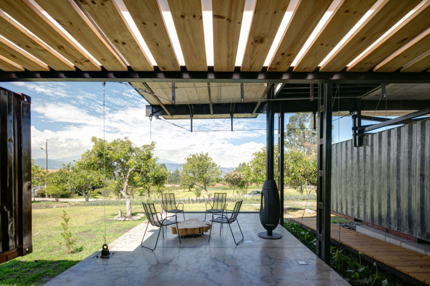 RDP House by Daniel Moreno Flores & Sebastian Calero (11)