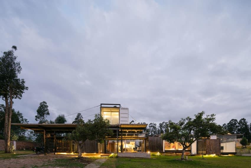 RDP House by Daniel Moreno Flores & Sebastian Calero (26)