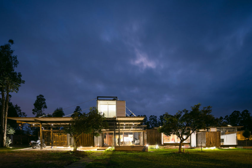 RDP House by Daniel Moreno Flores & Sebastian Calero (27)
