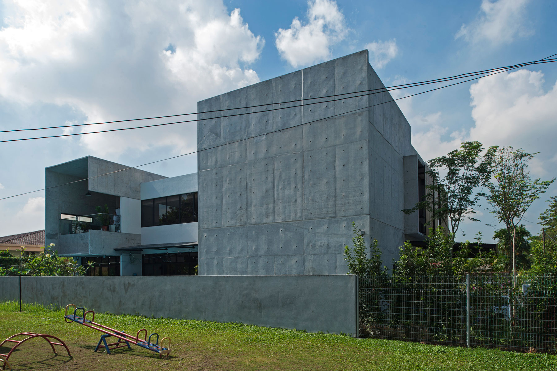 SS3 House by Seshan Design (1)