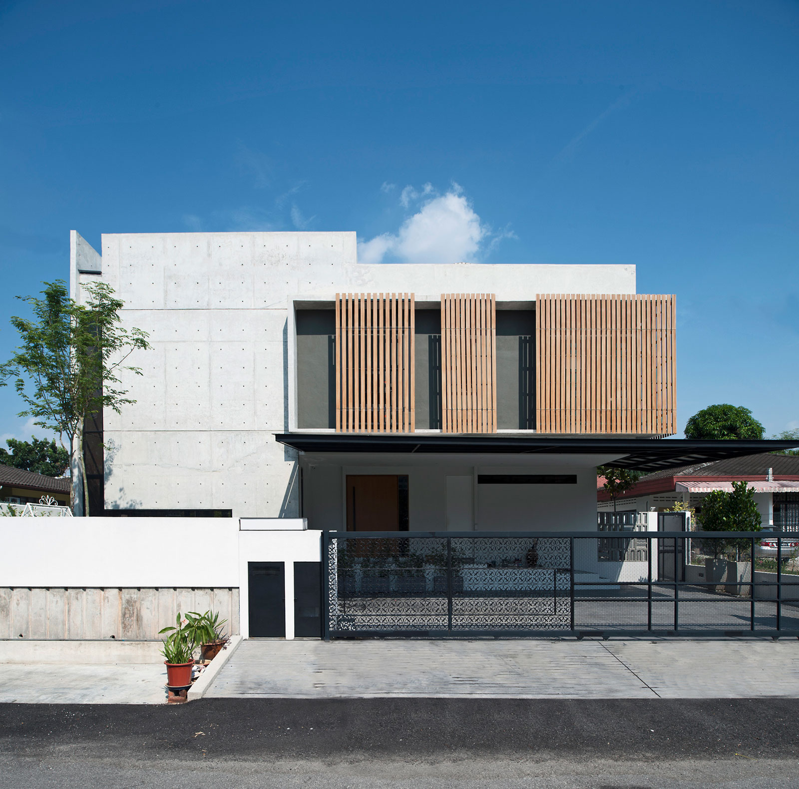 Seshan Design Create a Spacious Contemporary Residence in Malaysia